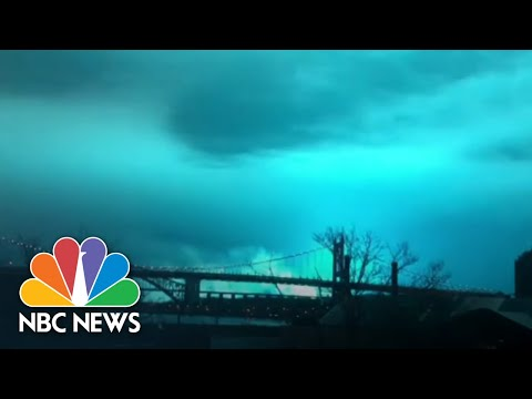 Andi and Kenny - Eerie Blue Light Over New York Causes Panic