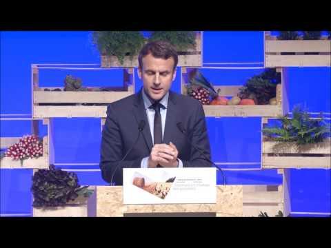 Emmanuel Macron passe le #GrandOAgri
