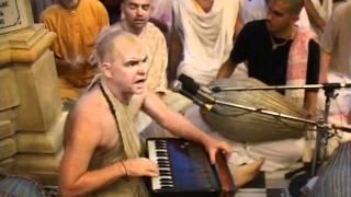 Hare Krsna Kirtan At Sri Vrindavan Dham w/ Aindra Prabhu ep4