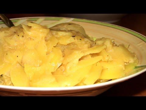 Тушеная картошка с мясом и молоком в мультиварке