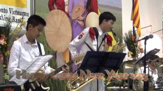 The Toronto Vietnamese Marching band -Canh Buom Vuon Xuan solo sax by Ly TB