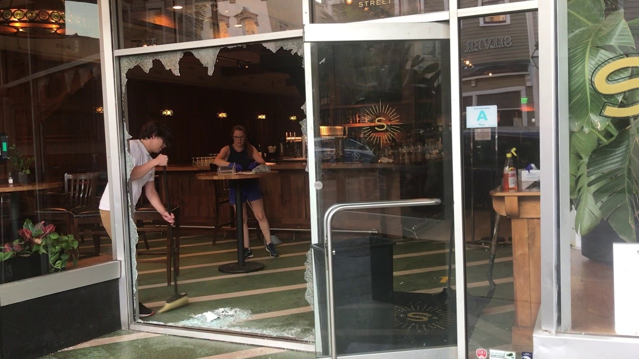 video charleston s upper king street littered with glass and debris from vandals after protest