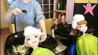 Elsa y Anna van a la PELUQUERIA DE VERDAD por primera vez REAL LIFE (Princesas Disney)