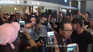 k pop boy bands and international fans who love them at LAX