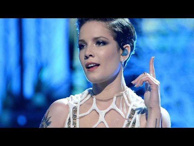 "Halsey Flawlessly Performs ""Castle"" At MTV Movie Awards 2016"