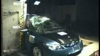 Краш-тест Honda Civic 4D от EuroNCAP. Боковой удар о столб