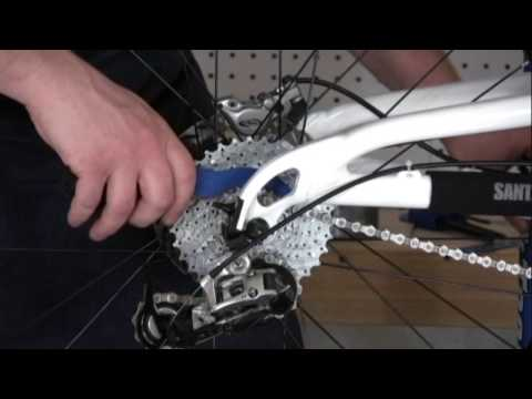 Cleaning Rear Cassette on your Bicycle