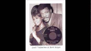 Lezli Valentine - Love On A Two Way Street