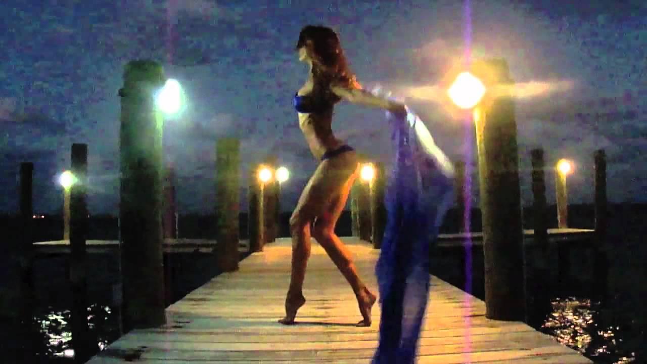Naked dance flash, naked woman sucks