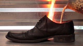 Узнай что будет если в туфли залить алюминий??????(эксперимент с кожаными туфлями и расплавленным алюминием., 2015-11-08T17:05:36.000Z)