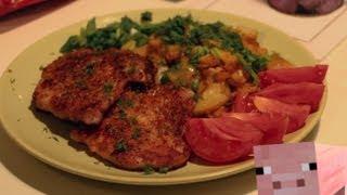 Свиной шницель и жареная картошка
