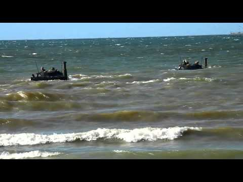 Indonesian Marine Corps BMP   3F jalan di Indonesia Pasukan Pendarat AMPIBI avi   YouTube
