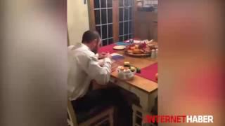 Salatalıktan efsane korkan adam
