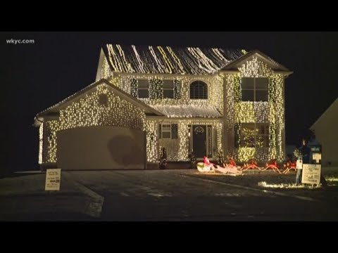 Big Mike - Christmas Lights Pay Tribute to Christmas Vacation