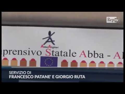 """Professore picchiato a Palermo. La preside: """"Non c'è più rispetto per la scuola"""""""