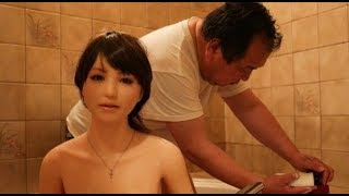 Download Video Hebooh  !!! Laki Laki  Ini Hidup Bersama Boneka Sex Layaknya Suami Istri MP3 3GP MP4