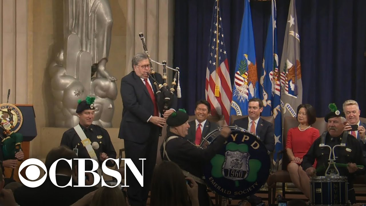 Attorney General William Barr hits the bagpipes at DOJ event in full