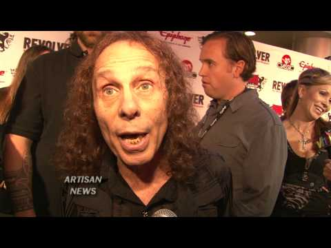 RONNIE JAMES DIO MAY BE WINNING HIS CANCER FIGHT