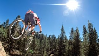 Французский велогонщик установил мировой рекорд скорости на велосипеде 223км/ч(French cyclist Eric Barone set a world speed record on a bicycle movement. 53-летний велосипедист Эрик Барон сумел на горном велосипеде разви..., 2015-03-29T17:53:45.000Z)
