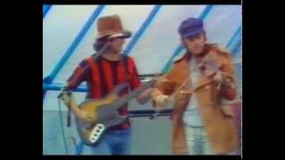 Play Country Pie (Live)