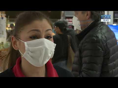Coronavirus, cassiere dei supermarket al fronte