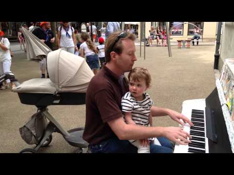 """Luxembourg city """"Play me I'm yours"""" Piano"""