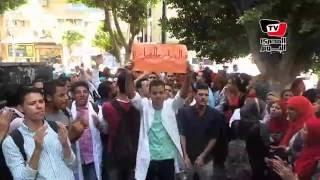 وقففة لطلبة «معهد التمريض»للمطالبة بفتح باب التحويل للكلية