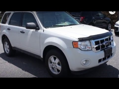 2012 Ford Escape XLT Walkaround, Start up, Tour and Overview