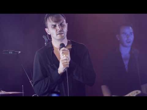 Hurts - Something I Need To Know (Live from Musik & Frieden Club)