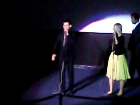 Sandra Pérez en la premiere de Sin Salida con Taylor Lautner en Madrid
