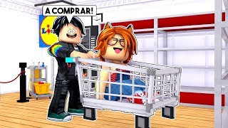 MY NOVIO TAKES ME FOR PURCHASES and *SALE MAL* in ROBLOX 😱