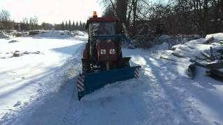 Первый выезд трактора Беларус МТЗ 320 на территорию 25 января 2014 года