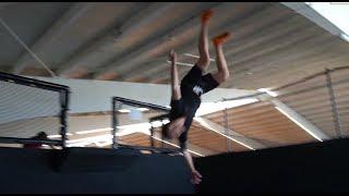 Backflip lernen in 1 MINUTE! - Rückwärtssalto endet fast FATAL | Michael Smolik