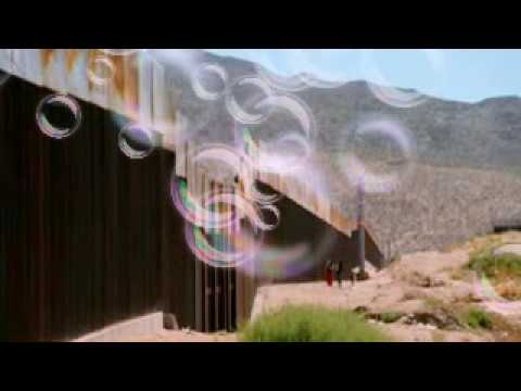 Trump talks up solar panel plan for Mexico wall