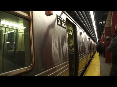 MTA New York City Subway : 47th-50th Streets - Rockefeller Center [ IND 6th Avenue Line ]