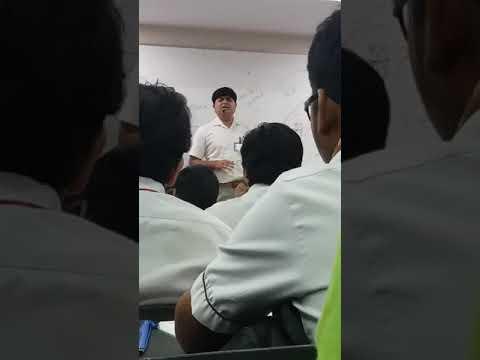 Allen faculty dr mukesh sharma sings bhajan in class