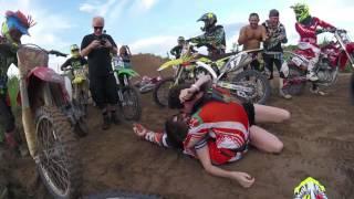 pedido de casamento surpresa pista de motocross