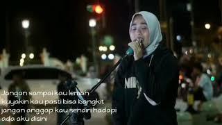 Lirik    Ada Aku Disini cover by Ziee feat Topan