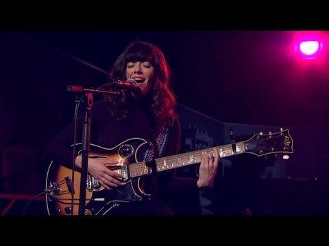 Natalie Prass - Why don't you believe in me (Live) - Malou Efter tio (TV4)