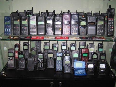 Какими были сотовые телефоны в России в 90-х.
