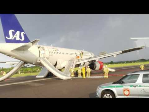 EPGD - Emergency landing - SK1758 / SAS1758 - GDN - CPH - ATC Gdansk Approach