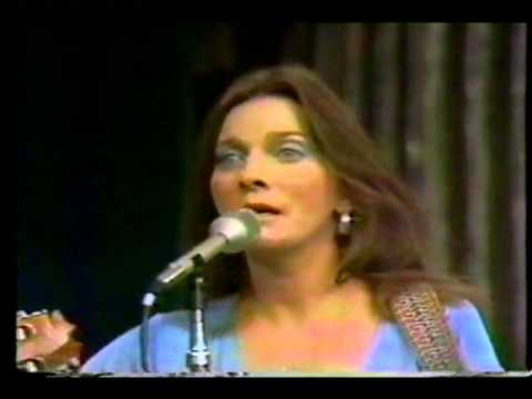 JUDY COLLINS & LEONARD COHEN - Suzanne 1976