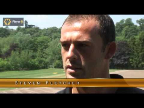Steven Fletcher Signs For Wolves 03-06-10