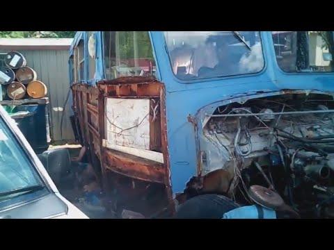 Bedford School Bus restoration PART 2,  First week. The stripdown