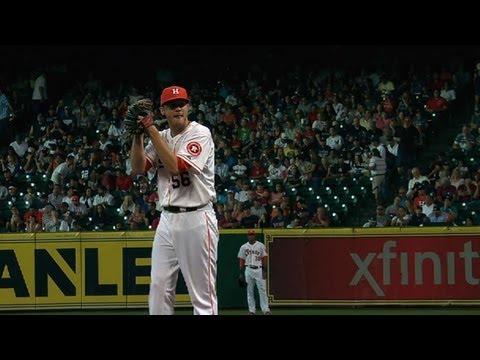 NYY@HOU: Clemens hurls 5 1/3 innings of two-run ball