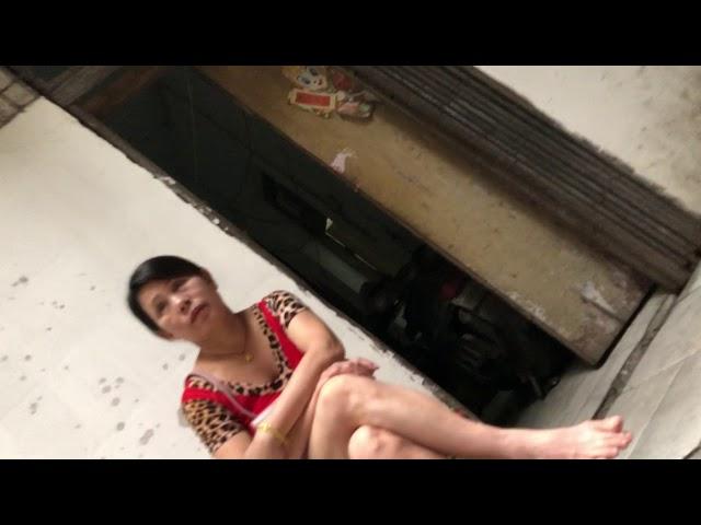 史上最低价站街女喊出30元US$4.5 for sex street women at Guangzhou, China平安自由中国
