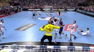 During the final game between hsv and barcelona, matthias flohr stopped dani sarmiento by hitting him in head. please subscribe ▶ http://goo.gl/3cy0wvat ...