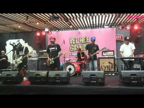 Pee Wee Gaskins - Kertas dan Pena (Live at A Youth Not Wasted Album Launch)