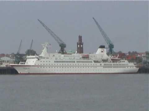 "MS ""Berlin"" - Das ""Traumschiff"" in Cuxhaven"