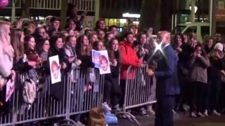 Ed Sheeran Fans en Humberto Tan  @ RTL Late Night rembrandtplein